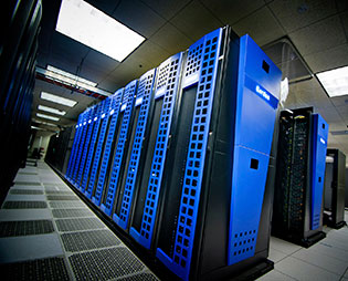 <strong>Flash Gordon. </strong>The SDSC supercomputer Gordon, with 300TB of flash-based storage, aided researchers who recently revised the tree of life. Access and use was a snap with the CIPRES science gateway.