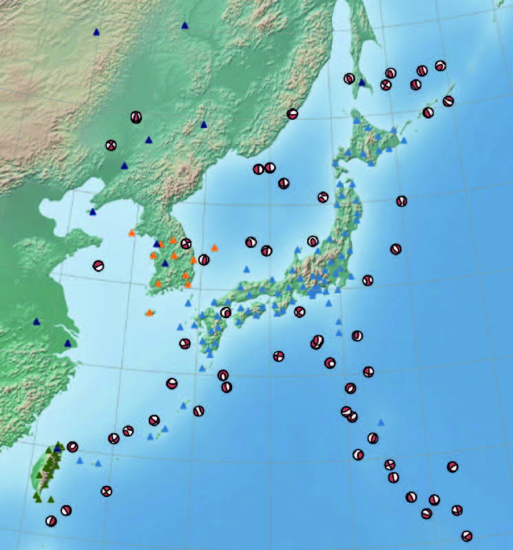 <strong>Community model. </strong>Seismic records from around the Japanese island region comprise the observational benchmark compared against Piz Daint simulations. The models picked up a 300 km (186 mile) wide reservoir of magma in the Sea of Japan. Courtesy Andreas Fichtner, ETH Zurich.