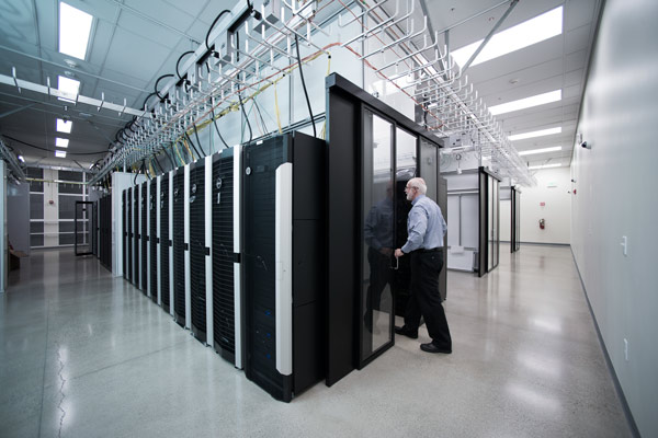 <strong>Green computing for greener cities. </strong>To cut energy costs, the Stanford Research Computing Center uses air-driven cooling. The UIL taps into the SRCC to advise city planners on the best way to manage their building energy costs. Courtesy SRCC.