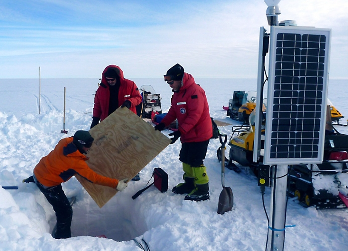 <strong>Secure science.</strong> Trusted CI ensures the integrity of scientific data by lending cybersecurity support to programs as varied as science gateways and the US Antarctic Program. Courtesy Doug Wiens/USAP.