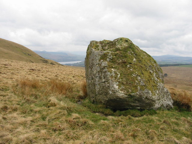 <strong>Glacial erratics</strong> differ in size and type from the native rocks where they rest. Carried by glacial ice over long distances, they provide important indicators of the path of prehistoric glacier movement. Courtesy Dewi. <a href='https://creativecommons.org/licenses/by-sa/2.0/'>(CC BY-SA 2.0)</a>