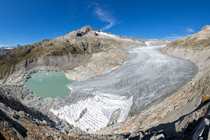 <strong>Investigating climate. </strong>Panorama view of the tongue of the Rhône Glacier in the Urner Alps. Because it is easily accessible by road, its evolution has been observed since the 19th century, providing valuable historic data for computer models. Courtesy Jürg Alean, www.swisseduc.ch.