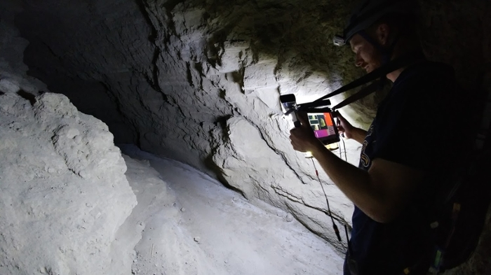 <strong>Wearable rig.</strong> The team connected 3D scanning software with a motion-detecting tablet that could serve as a wearable scanning rig in the tunnels. Courtesy Ferrill Rushton, Engineers for Exploration, UC San Diego.