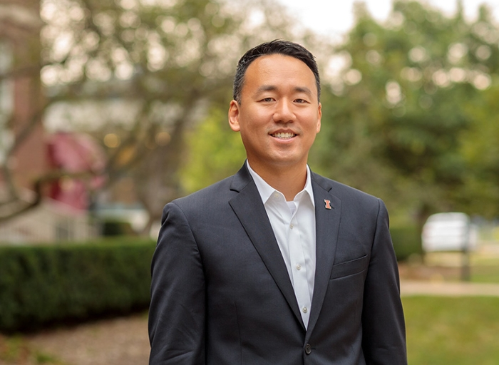 <strong>Data whisperer.</strong> With a background in both computer science and social psychology, Joseph Yun is connecting social scientists with social media data tools that are easy to understand and use.