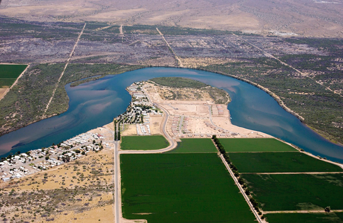 <strong>Reductions in stream flow.</strong> The Colorado River Basin supplies irrigation water for nearly 4.5 million acres of land. Courtesy Central Arizona Project.