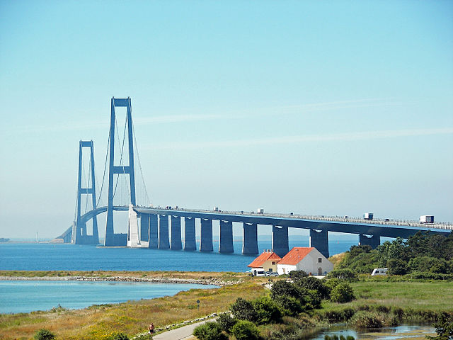 <strong>The Great Belt Bridge</strong> in Denmark has a one-mile main span, the fifth-longest in the world. But new design techniques could enable much longer spans. Courtesy Henrik Sendelbach. <a href='https://creativecommons.org/licenses/by-sa/3.0/deed.en'>(CC BY-SA 3.0)</a>
