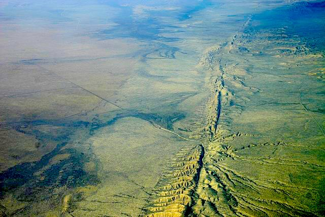 <strong>Melted rocks</strong> deep below the San Andreas Fault in California are the cause of some unusual seismic activity. Courtesy Ian Kluft. <a href='https://creativecommons.org/licenses/by-sa/4.0/'>(CC BY-SA 4.0)</a>